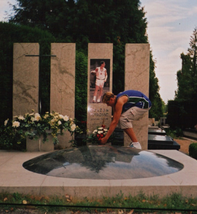 Andrew Bogut at the Petrovic Memorial in the Mirogoj Monumental Cemetery b25a735fd